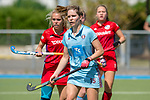 GER - Mannheim, Germany, May 05: During the women field hockey 1. Bundesliga match between Mannheimer HC (red) and Uhlenhorster HC Hamburg (light blue) on May 5, 2018 at Am Neckarkanal in Mannheim, Germany. Final score 1-3. (Photo by Dirk Markgraf / www.265-images.com) *** Local caption *** Charlotte van Bodegom #15 of Uhlenhorster HC Hamburg