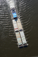 Schubschiff auf der Elbe mit vier Einheiten: EUROPA, DEUTSCHLAND, HAMBURG, (EUROPE, GERMANY), 23.02.2014 Schubschiff auf der Elbe mit vier Einheiten