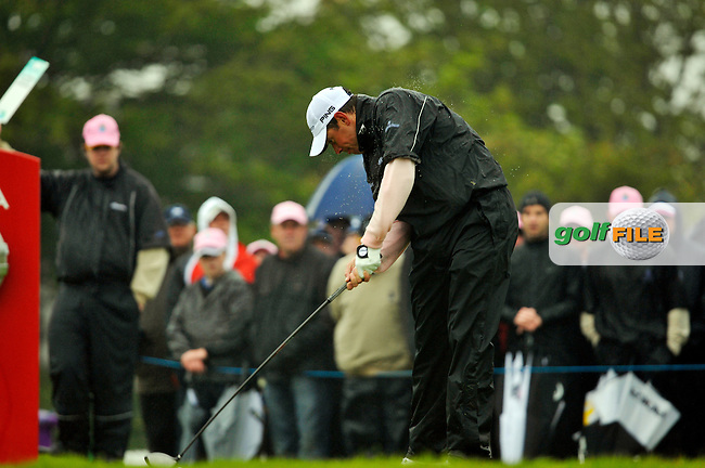 Lee Westwood tees off to start his second 9 holes the 1st tee during Round 2 of the 3 Irish Open on 15th May 2009 (Photo by Eoin Clarke/GOLFFILE)
