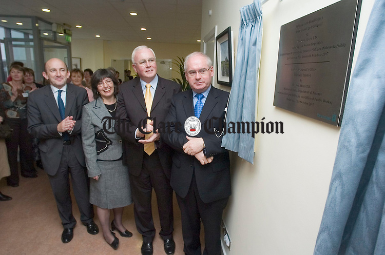 at the official opening of the Revenue's decentralised office at Kilrush. Phoograph by John Kelly.