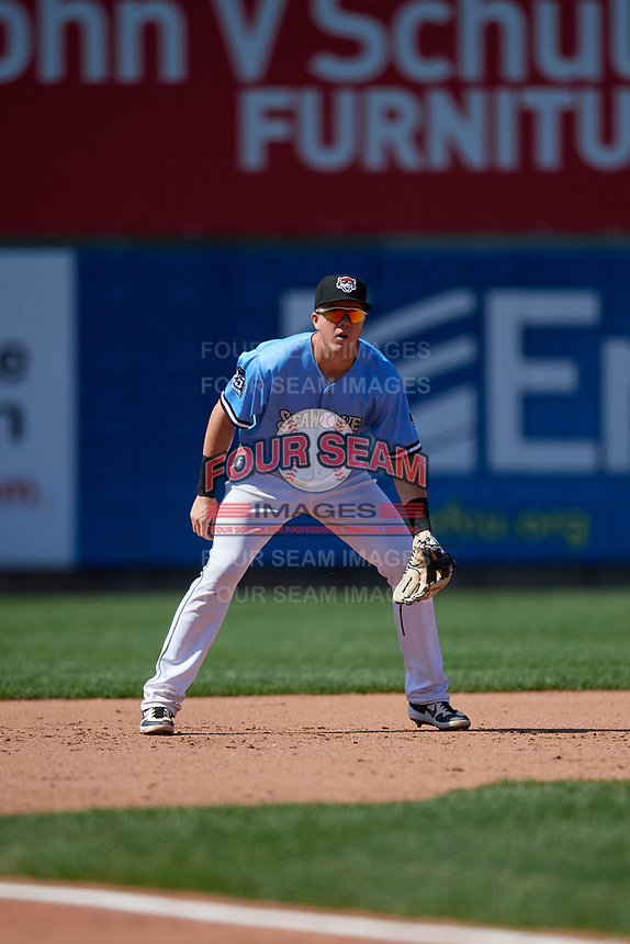 Erie SeaWolves third baseman Josh Lester (17) during an Eastern League game against the Akron RubberDucks on June 2, 2019 at UPMC Park in Erie, Pennsylvania.  Erie defeated Akron 8-5 in eleven innings in the second game of a doubleheader.  (Mike Janes/Four Seam Images)