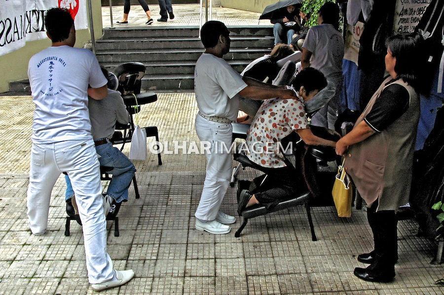 Tratamento de massagem oriental. São Paulo. 2008. Foto Juca Martins