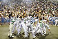 RIO DE JANEIRO - RJ - DIA 11 DE FEVEREIRO DE 2012. ENSAIO T&Eacute;CNICO DA ESCOLA DE SAMBA IMPERATRIZ LEOPOLDINENSE - Na noite de s&aacute;bado (11) a escola de samba Imperatriz Leopoldinense faz seu ensaio t&eacute;cnico na Marques de Sapuca&iacute;, situado no samb&oacute;dromo no centro da cidade do Rio de Janeiro.<br /> Comiss&atilde;o de frente. FOTO: RONALDO BRANDAO - NEWS FREE.