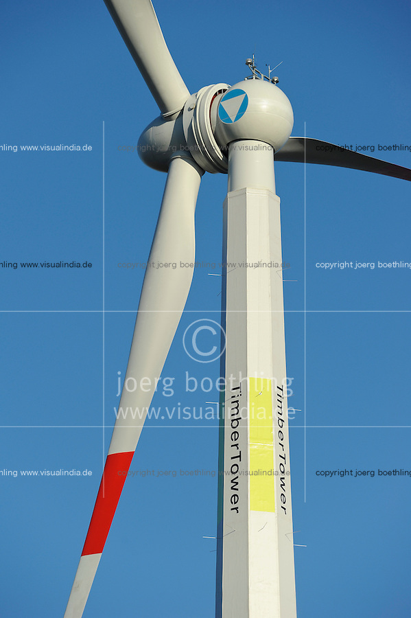 DEUTSCHLAND Hannover , die TimberTower GmbH errichtete den ersten 100 Meter hohen kunststoffbeschichteten Holzturm fuer eine 1,5 Megawatt Windkraftanlage der Firma Vensys in Hannover-Marienwerder -.GERMANY Hannover, Timbertower GmbH, construction of 100 metre high timber tower for 1,5 MW Vensys windturbine