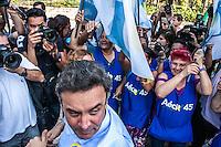 SÃO PAULO, SP, 12/09/214 - ELEIÇÕES 2014/ AÉCIO/ ALCKMIN/ VISITA AO COPOM/ PM - O candidato à presidência pelo PSDB Aécio Neves e o candidato ao governo de São Paulo Geraldo Alckmin visitam a cede do COPOM, da Polícia Militar, na tarde desta sexta-feira (12), em São Paulo. (Foto: Taba Benedicto/ Brazil Photo Press)