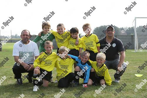 2009-09-19 / Jeugdvoetbal / U8 Merksplas D / Lucas Boeckx, Anton Ceusters, Xander Ceusters, Jonas Rawoe, Jari Simons en Indy Sprangers..Foto: Maarten Straetemans (SMB)