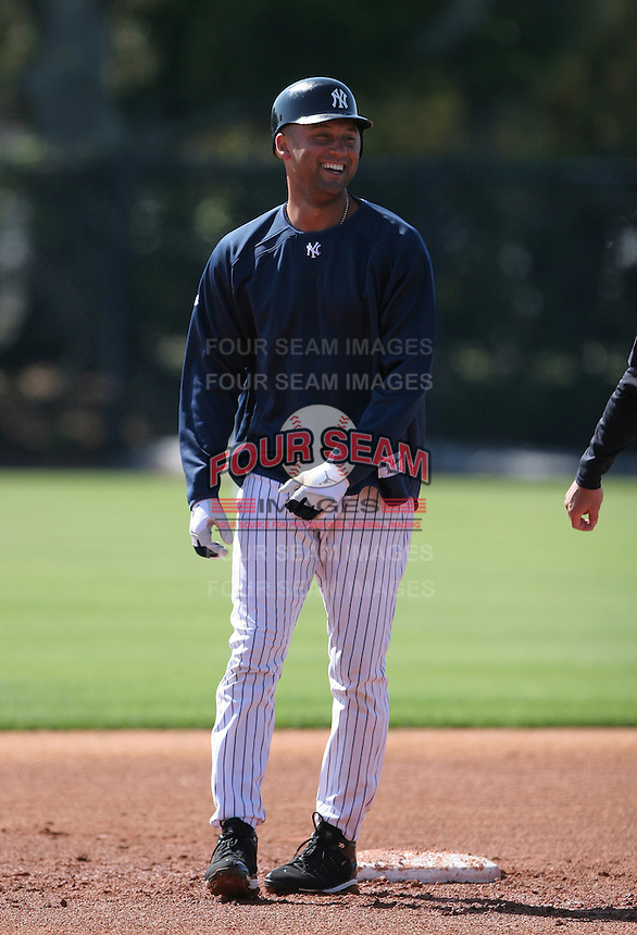 Derek Jeter of the New York Yankees vs the Pittsburgh Pirates March 18th, 2007 at Legends Field in Tampa, FL during Spring Training action.  Photo By Mike Janes/Four Seam Images
