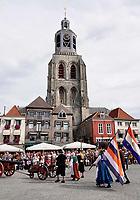 nNederland - Bergen op Zoom - 16 september 2018. De Sint-Gertrudiskerk.  Op zondag 16 september 2018 vindt in Bergen op Zoom de Brabant Stoet plaats. Dit is een grootst opgezet festival van de lopende cultuur. Deze vorm van cultuur is kenmerkend voor Brabant. In de Brabant Stoet zijn zo'n honderd vormen van lopende (en rijdende) cultuur te zien zoals gilden, fanfares, steltlopers, reuzen, carnaval, ommegangen en praalwagens. De Brabant Stoet wordt samengesteld met groepen uit zowel Noord-Brabant als Vlaams- en Waals-Brabant.   Foto Berlinda van Dam / Hollandse Hoogte
