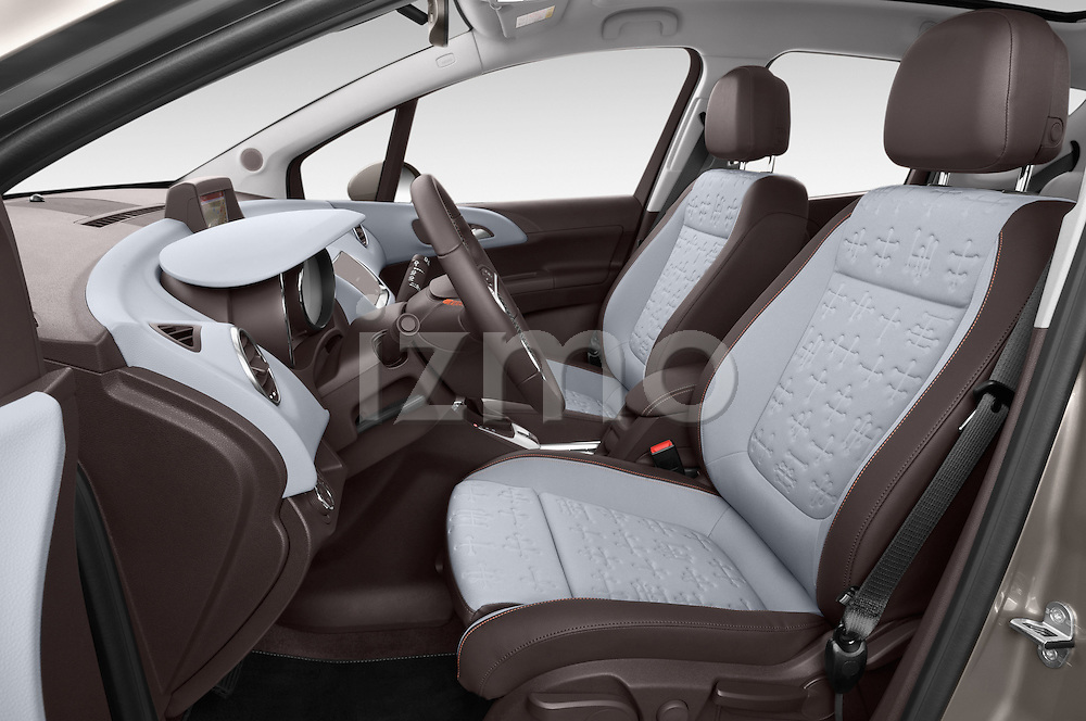 Front seat view 2014 Opel MERIVA Cosmo 5 Door Mini MPV 2WD Stock Photo