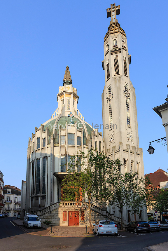 France, Allier (03), Vichy, église Notre-Dame-des-Malades et église Sainte-Blaise // France, Allier, Vichy, Notre Dame des Malades church