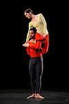 DUETS....Choregraphie : CUNNINGHAM Merce..Mise en scene : CUNNINGHAM Merce..Compositeur : CAGE John..Decor : LANCASTER Mark..Lumiere : LANCASTER Mark SHALLENBERG Christine..Avec :..GOGGANS Jennifer..MITCHELL Rashaun..Lieu : Theatre de la Ville..Ville : Paris..Le : 20 12 2011 &copy; Laurent Paillier / photosdedanse.com<br /> All rights reserved