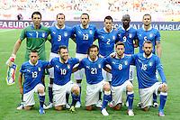 GDANSK, POLONIA, 10 JUNHO 2012 - EURO 2012 -  ESPANHA X ITALIA - Jogadores da Italia momento antes da partida contra a Espanha em jogo valido pela primeira rodada do Grupo C, na Arena de Gdansk na Polonia neste domingo, 10. (FOTO: DANIELE BUFFA / PIXATHLON / BRAZIL PHOTO PRESS.