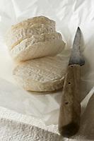 Europe/France/Midi-Pyrénées/46/Lot/Gramat: AOC Rocamadour - Cabecou de Rocamadour- Fromage de Chêvre //  France, Lot, Gramat, Rocamadour AOC, Cabecou of Rocamadour goat cheese