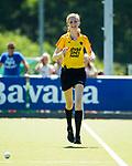 NIJMEGEN -   scheidsrechter Maartje de Bruijn   tijdens  de tweede play-off wedstrijd dames, Nijmegen-Huizen (1-4), voor promotie naar de hoofdklasse.. Huizen promoveert naar de hoofdklasse.  COPYRIGHT KOEN SUYK