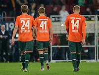 FUSSBALL   1. BUNDESLIGA  SAISON 2012/2013   7. Spieltag FC Augsburg - Werder Bremen          05.10.2012 Nils Petersen, Nicolas Fuellkrug , Aaron Hunt (v. li., SV Werder Bremen)