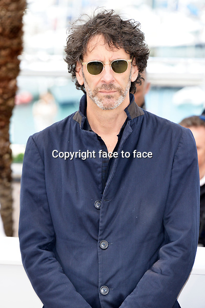 """Joel Coen (Directors, Writers, Producers) attending the """"INSIDE LLEWYN DAVIS"""" Photocall during the 66th annual International Cannes Film Festival in Cannes, France, 19th May 2013. Credit: Timm/face to face"""