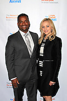 LOS ANGELES - DEC 3: Alfonso Ribeiro, Angela Unkrich at The Actors Fund's Looking Ahead Awards at the Taglyan Complex on December 3, 2015 in Los Angeles, California