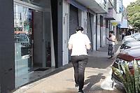 Campinas (SP), 24/06/2020 - Comércio-SP - Fiscais do Procon, Vigilância Sanitária, Defesa Civil e Guarda Municipal realizaram uma fiscalização nos comércios na região do Distrito de Barão Geraldo em Campinas, interior de São Paulo, nesta quarta-feira (24).