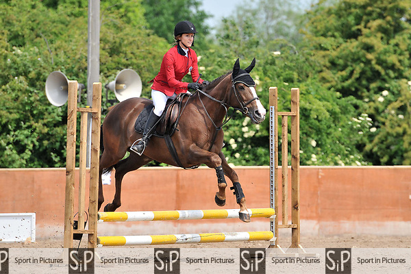 Class 1. Minimus. Unaffiliated showjumping. Eastminster riding school. Essex. 29/05/2017. MANDATORY Credit Ellen Szalai/Sportinpictures - NO UNAUTHORISED USE - 07837 394578