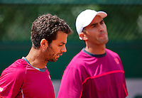 France, Paris , May 27, 2015, Tennis, Roland Garros, Mens doubles: Jean Julien Rojer (NED)(L) and his partner Horia Tecau (ROU)<br /> Photo: Tennisimages/Henk Koster