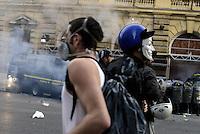 Roma, 19 Ottobre 2013<br /> Corteo contro l'austerità e la precarietà<br /> L'assedio al Ministero dell'economia in via XX Settembre