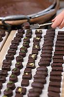 """Europe/France/Aquitaine/64/Pyrénées-Atlantiques/Bayonne: Fabrication artsanale des chocolats de Bayonne """"Maison Daranatz"""""""