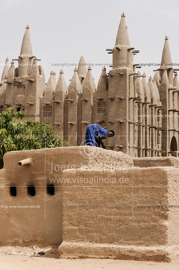MALI, Mopti, mosque built from clay