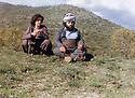 Iraq 1984 .Hama Haji Mahmoud and his wife near Penjwin, looking at iraki fighters .Irak 1984 .Hama Haji Mahmoud et sa femme dans la region de Penjwin, regardant les avions de combat irakiens
