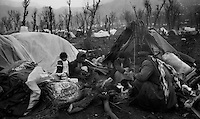 Isikveren - Kurdistan - Turckey/Iraq Border - April 1991.Refugee camp for kurdish refugees fled from north Iraq becouse of fightings between Saddam Hussein and NATO troops during the Gulf War..Photo Livio Senigalliesi