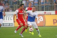 Jerome Gondorf (SV 98) gegen Manuel Stiefler (SVS) - SV Darmstadt 98 vs. SV Sandhausen, Stadion am Boellenfalltor