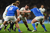 Ellis Genge of England takes on the Italy defence. Guinness Six Nations match between England and Italy on March 9, 2019 at Twickenham Stadium in London, England. Photo by: Patrick Khachfe / Onside Images