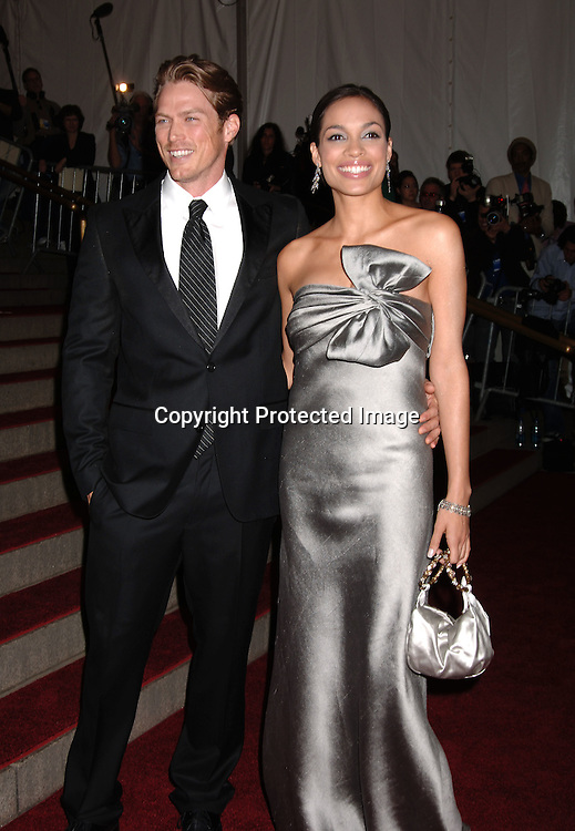 Jason Lewis and Rosario Dawson ..arriving to the Costume Institute Gala celebrating AngloMania on May 1, 2006 at The Metropolitan Museum of ..Art. ..Robin Platzer, Twin Images..