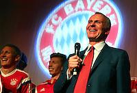FUSSBALL  DFB POKAL FINALE  SAISON 2013/2014 Borussia Dortmund - FC Bayern Muenchen     17.05.2014 FC Bayern Bankett in der Telekom Zentrale;  Vorstandsvorsitzender Karl Heinz Rummenigge