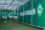 13.04.2019, Weser Stadion, Bremen, GER, 1.FBL, Werder Bremen vs SC Freiburg, <br /> <br /> DFL REGULATIONS PROHIBIT ANY USE OF PHOTOGRAPHS AS IMAGE SEQUENCES AND/OR QUASI-VIDEO.<br /> <br />  im Bild<br /> <br /> Die Mannschaft im Spielertunnel - Milos Veljkovic (Werder Bremen #13)<br /> Nuri Sahin (Werder Bremen #17)<br /> Niklas Moisander (Werder Bremen #18)<br /> Davy Klaassen (Werder Bremen #30)<br /> Yuya Osako (Werder Bremen #08)<br /> Theodor Gebre Selassie (Werder Bremen #23)<br /> <br /> <br /> Foto © nordphoto / Kokenge