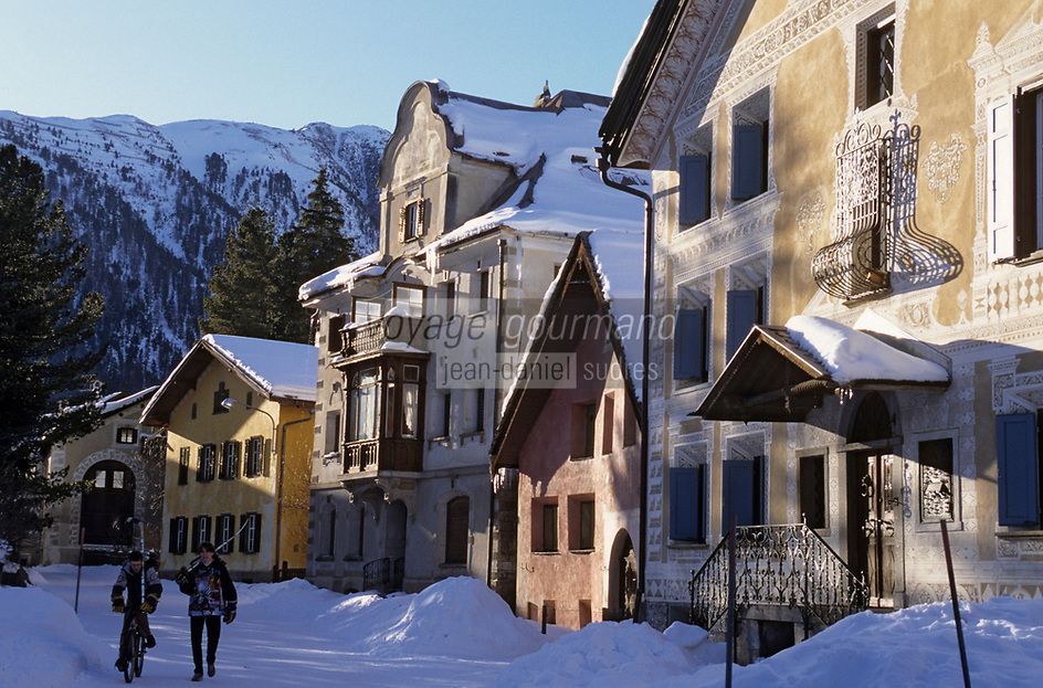 Europe/Suisse/Engadine/Bever : Maisons