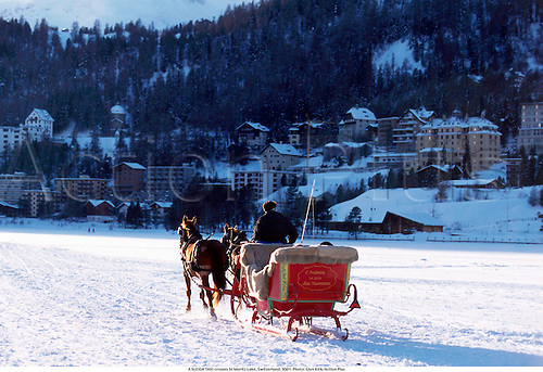 A SLEIGH TAXI crosses St Moritz Lake, Switzerland, 9501. Photo: Glyn Kirk/Action Plus...1995.wintersports.venue.skiing.venues.wintersport.resorts.resort