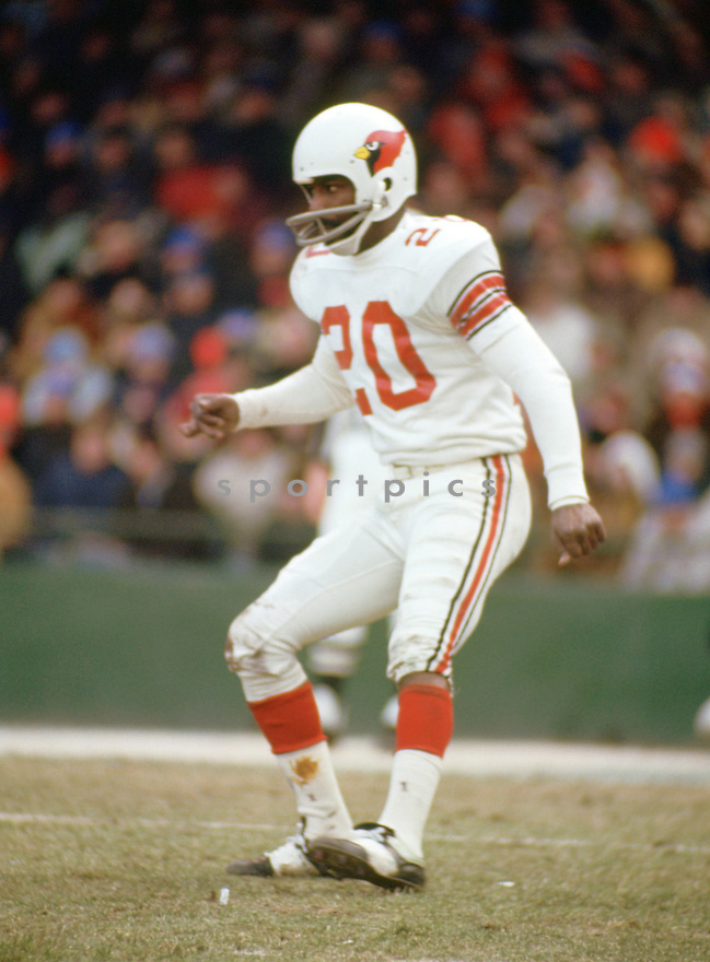 St. Louis Cardinals Miller Farr (20) during a game from his 1970 season with the St. Louis Cardinals. Miller Farr  played for 9 season, with 5 different teams and was a 3-time Pro Bowler.(SportPics)
