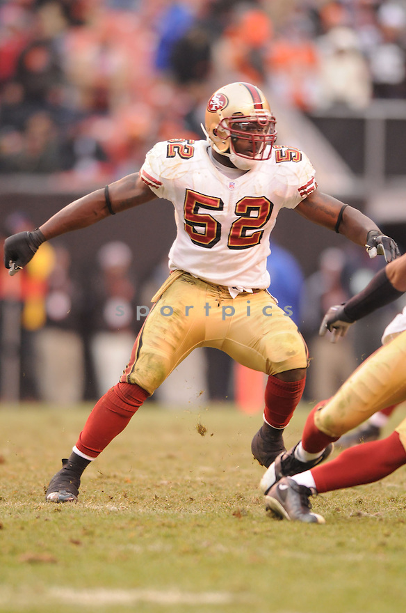 PATRICK WILLIS, of the San Francisco 49ers  in action during the 49ers game against the Cleveland Browns on December 30, 2007 in Cleveland, Ohio...BROWNS win 20-7..SportPics
