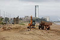 2018 10 05 Machines working on the beach in Swansea, Wales, UK