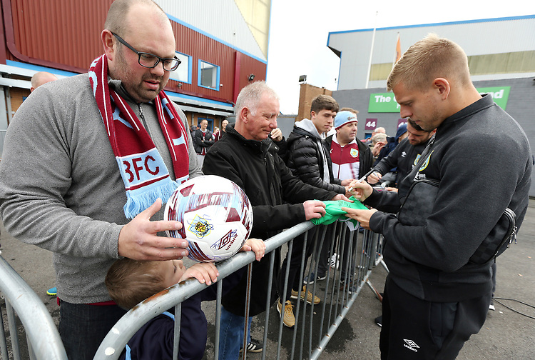 Burnley's Matej Vydra signs autographs for waiting fans as he arrives ahead of kick-off at Turf Moor<br /> <br /> Photographer Rich Linley/CameraSport<br /> <br /> The Premier League - Burnley v Everton - Saturday 5th October 2019 - Turf Moor - Burnley<br /> <br /> World Copyright © 2019 CameraSport. All rights reserved. 43 Linden Ave. Countesthorpe. Leicester. England. LE8 5PG - Tel: +44 (0) 116 277 4147 - admin@camerasport.com - www.camerasport.com