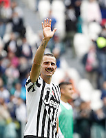 Calcio, Serie A: Juventus vs Carpi. Torino, Juventus Stadium, 1 maggio 2016.<br /> Juventus' Leonardo Bonucci greets fans at the end of the Italian Serie A football match between Juventus and Carpi at Turin's Juventus Stadium, 1 May 2016. Juventus won 2-0.<br /> UPDATE IMAGES PRESS/Isabella Bonotto