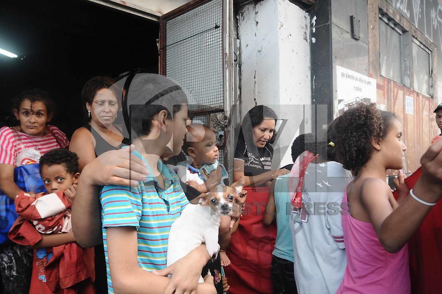 SÃO PAULO, SP,09 FEVEREIRO 2012-Policia Militar cumpri a  Reintegracao de posse do Predio na Rua Cons Nebias com Rua Vitoria no centro de Sao Paulo.(FOTO: ADRIANO LIMA - NEWS FREE).