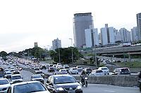 SAO PAULO, SP, 04 DE MARCO 2013 - TRANSITO SAO PAULO - rânsito intenso na Avenida Radial Leste, próximo ao Metrô Tatuape, zona leste de São Paulo (SP), nesta segunda-feira (04).FOTO MONICA SILVEIRA - BRAZIL PHOTO PRESS.