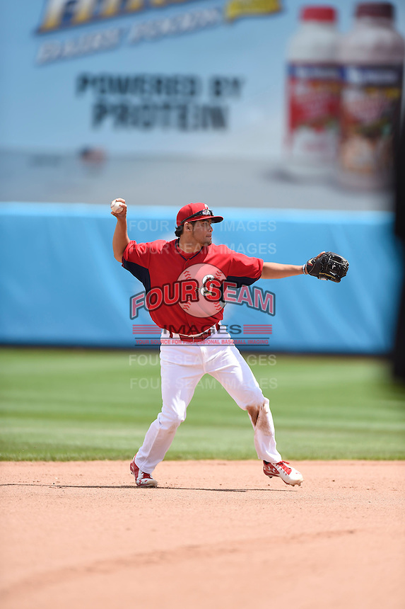 ***Temporary Unedited Reference File***Springfield Cardinals shortstop Breyvic Valera (32) during a game against the Northwest Arkansas Naturals on April 27, 2016 at Hammons Field in Springfield, Missouri.  Springfield defeated Northwest Arkansas 8-1.  (Mike Janes/Four Seam Images)