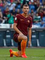 Calcio, Serie A: Roma vs Udinese. Roma, stadio Olimpico, 20 agosto 2016.<br /> Roma&rsquo;s Edin Dzeko reacts during the Italian Serie A football match between Roma and Udinese at Rome's Olympic Stadium, 20 August 2016. Roma won 4-0.<br /> UPDATE IMAGES PRESS/Riccardo De Luca