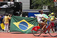 SÃO PAULO,SP, 15.11.2015 - PROTESTO-SP - Ato contra a presidente Dilma Rousseff acontece na Avenida Paulista, zona sul de São Paulo, neste domingo (15). (Foto:  Darcio Nunciatelli/Brazil Photo Press)