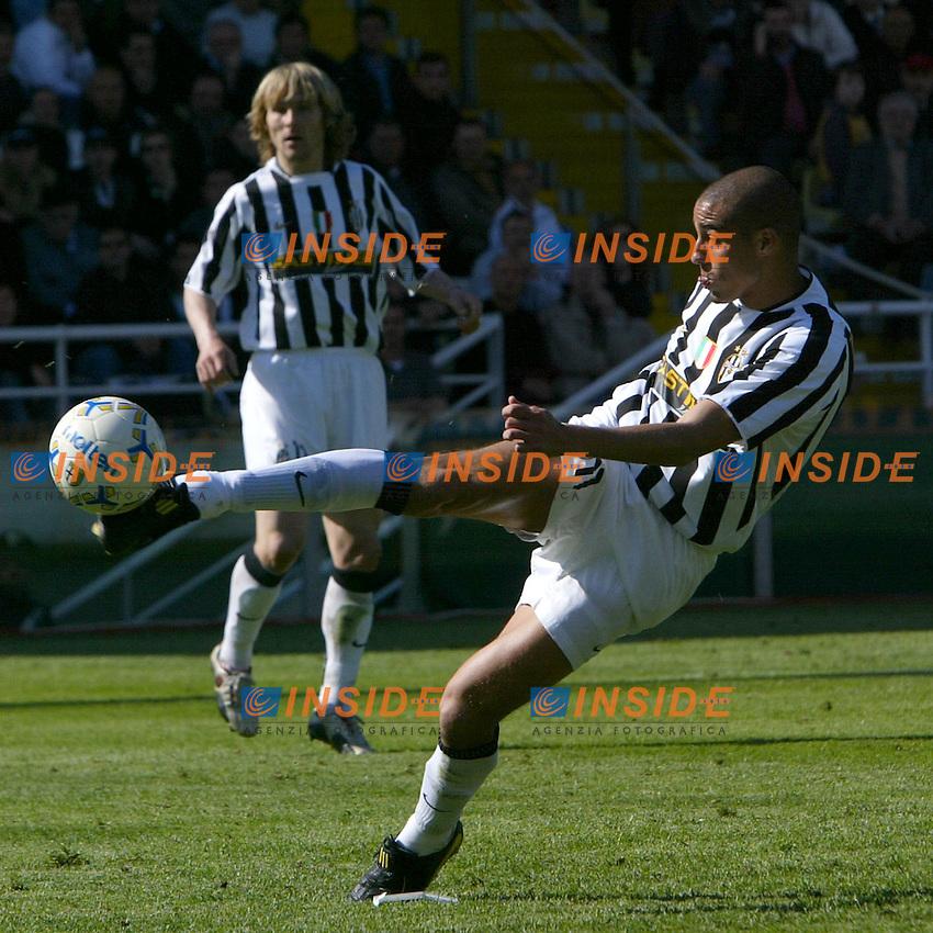 Parma 18/4/2004 Campionato Italiano Serie A <br /> 30a Giornata - Matchday 30 <br /> Parma Juventus 2-2 <br /> David Trezeguet (Juventus) <br />  Foto Insidefoto