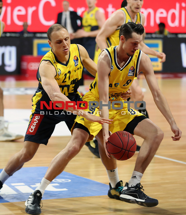 #21 Robin Amazie von Baskets Oldenburg , #8 Marcus Eriksson von Alba Berlin    <br /> Basketball, nph0001 1.Bundesliga BBL-Finalturnier 2020.<br /> Halbfinale Spiel 2 am 24.06.2020.<br /> <br /> Alba Berlin vs EWE Baskets Oldenburg <br /> Audi Dome<br /> <br /> Foto: Christina Pahnke / sampics  / POOL / nordphoto<br /> <br /> National and international News-Agencies OUT - Editorial Use ONLY