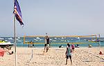 Cabo Verde, Kaap Verdie, KaapVerdie, sal kaapverdie santa maria 2017<br /> Santa Maria, officieel  is een plaats in het zuiden van het Kaapverdische eiland Sal met 6.272 inwoners. Met de opkomst van het toerisme heeft de plaats bekendheid gekregen en is het toerisme de voornaamse inkomstenbron<br /> Kaapverdië, dat behoort tot de geografische regio Ilhas de Barlavento<br />   foto  Michael Kooren<br /> beach, beach life, caipirinha's, cocktail, cocktailbar, popular,  sports, water, sea, volleyball,