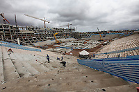 ATENCAO EDITORES: FOTO EMBARGADA PARA VEICULO INTERNACIONAL - SAO PAULO, SP, 27 DE SETEMBRO 2012 - OBRAS ITAQUERAO - Vista do canteiro de obras do Estadio que ira realizar a abertura da Copa do Brasil em 2014 em Itaquera regiao leste da capital paulista.  FOTO: VANESSA CARVALHO - BRAZIL PHOTO PRESS.